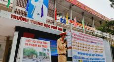 Công an huyện Lạng Giang phối hợp tổ chức tuyên truyền về an toàn giao thông cho học sinh